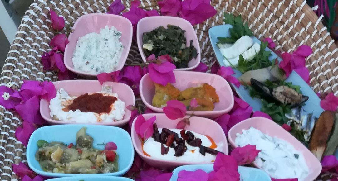 Meze -eine kleine Auswahl türkischer Vorspeisen. Foto: © gab